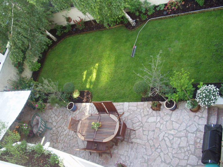 Terrasse et jardin vue d'en haut!
