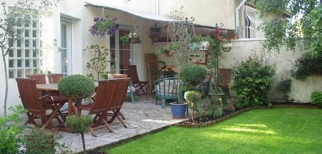 Jardin vue ensemble côté tonnelle
